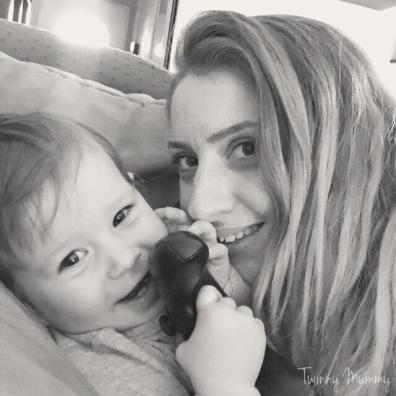 bébé love retrouvailles twinny mummy