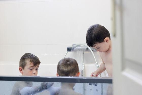 bath time twinny mummy